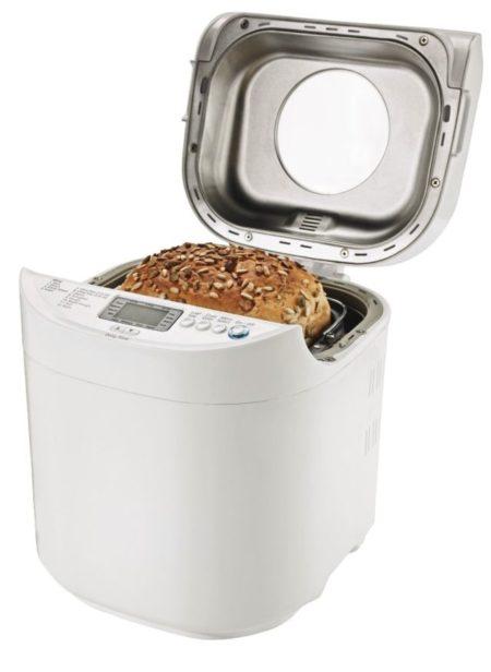 Oster CKSTBRTW20 2-Pound Loaf Bread Maker Showing 2-Lb Bread Loaf